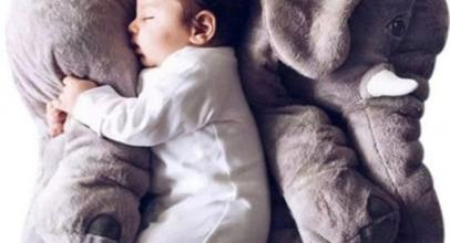 Almohadas de bebé de elefantes
